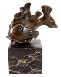 Bronzefigur - Goldfisch auf Marmor