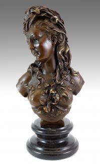 Jugendstil Skulptur – signiert A. Carrier – Statuen kaufen