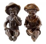 Zwei Kinderfiguren - Bronzene Kleinplastiken mit Signatur